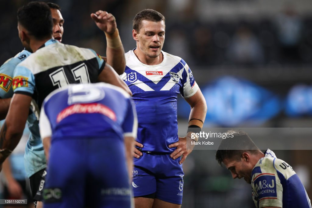 NRL Rd 6 - Sharks v Bulldogs : News Photo