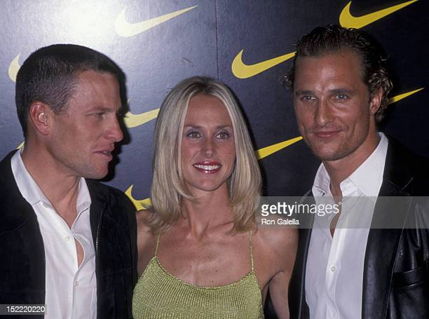 Kerry Armstrong Kristin Richard and Matthew McConaughey attend the premiere of Lantana on November 6 2001 at the Pacific Design Theater in Hollywood...