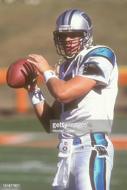Kerry Collins of the Carolina Panthers warms up before a football game against the New York Jets on October 15 1995 at Memorial Stadium in Clemson...