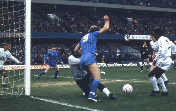 Kerry Dixon of Chelsea has his route to goal blocked during the Canon League Division One match between Chelsea and Tottenham Hotspur held on...