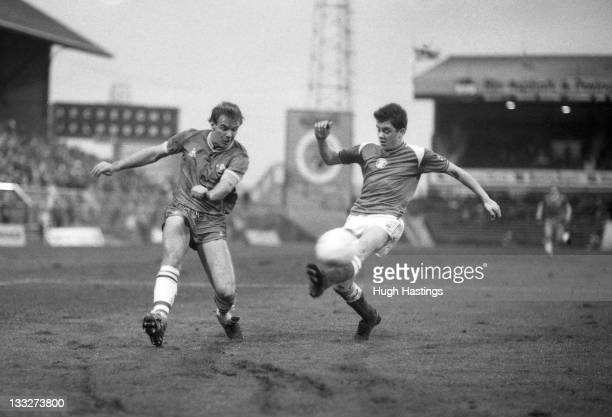 Kerry Dixon of Chelsea in action during the Canon League Division One match between Birmingham City and Chelsea held on December 21 1985 at St...