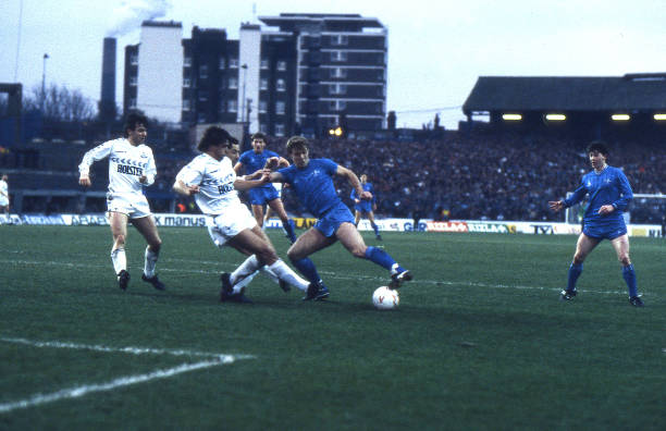 Kerry Dixon of Chelsea smakes a break forward during the Canon League Division One match between Chelsea and Tottenham Hotspur held on December 28,...