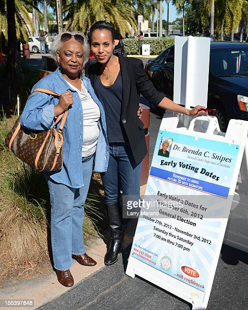 """Kerry Washington and Supervisor of Elections Dr. Brenda Snipes participate in OFA-""""Its On You"""" Early Vote event on November 3, 2012 in Fort..."""