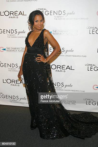 Kerry Washington attends L'OREAL Legends Gala Benefiting The Ovarian Cancer Research Fund at The American Museum Of Natural History on November 8 2006