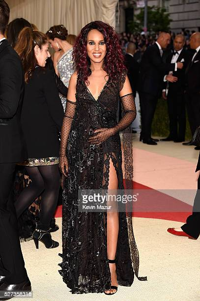 Kerry Washington attends 'Manus x Machina Fashion In An Age Of Technology' Costume Institute Gala at Metropolitan Museum of Art on May 2 2016 in New...
