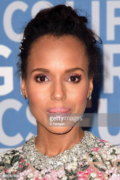 Kerry Washington attends the 2018 Breakthrough Prize at NASA Ames Research Center on December 3 2017 in Mountain View California