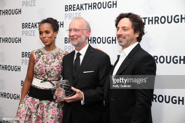Kerry Washington Breakthrough Prize in Life Sciences Laureate Don W Cleveland and Alphabet president Sergey Brin attend the 2018 Breakthrough Prize...