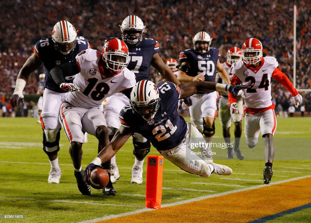 Georgia v Auburn : News Photo