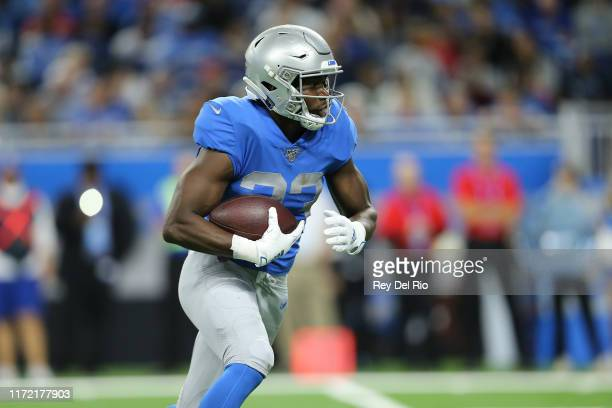 Kerryon Johnson of the Detroit Lions runs for a first down during the first quarter of the game against the Kansas City Chiefs at Ford Field on...