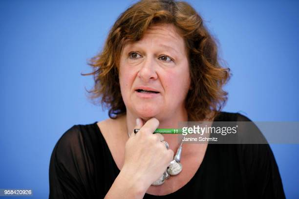 Kerstin KubischPiesk Head of the Regional Social Services of the Youth Welfare Office BerlinMitte during the presentation of a study on working...