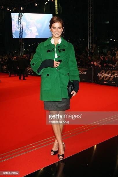 Kerstin Linnartz Bei Der 007 Ein Quantum Trost Premiere Im Cinestar Am Potsdamer Platz In Berlin Am 031108