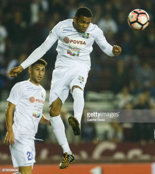 Kerwis Chirinos of Zulia heads the ball during a group stage match between Lanus and Zulia as part of Copa CONMEBOL Libertadores Bridgestone 2017 at...