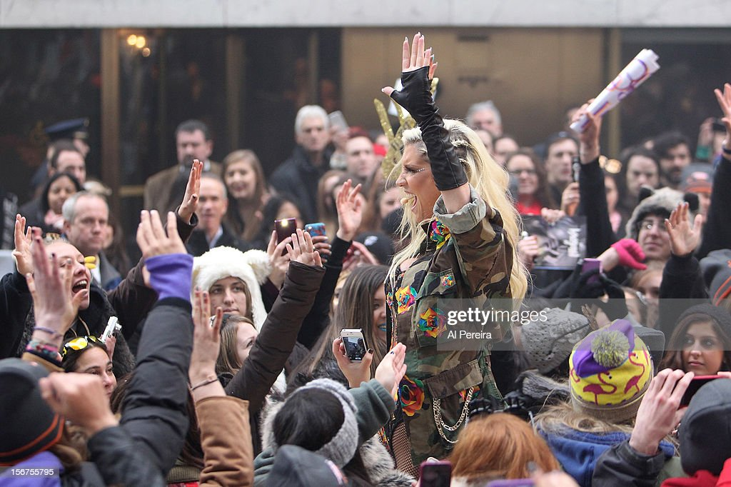 Kesha performs on NBC's 'Today' at Rockefeller Plaza on November 20, 2012 in New York City.