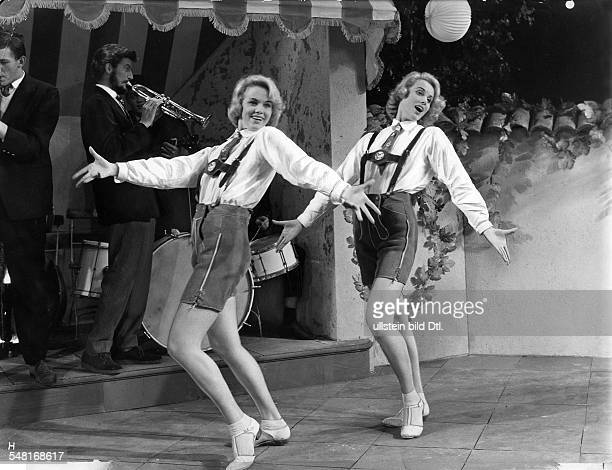 KesslerTwins Actresses Dancers Germany * Scene from the movie 'Die Zwillinge vom Zillertal' Directed by Harald Reinl West Germany 1957 Produced by...