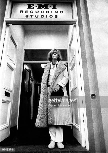 Kevin Ayers posed at the door of EMI Recording Studios in Abbey Road London in 1970