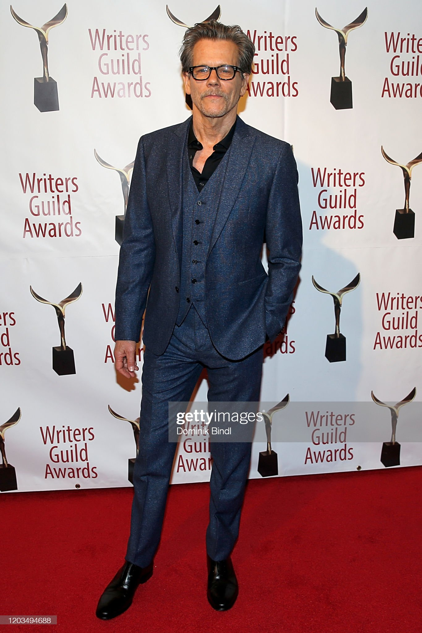 ¿Cuánto mide Kevin Bacon? - Altura - Real height Kevin-bacon-attends-the-72nd-writers-guild-awards-at-edison-ballroom-picture-id1203494688?s=2048x2048