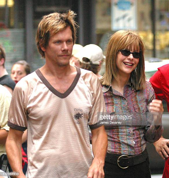 Kevin Bacon Meg Ryan during Meg Ryan Jennifer Jason Leigh Kevin Bacon On Location for New Movie 'In the Cut' at Lower Manhattan in New York City New...