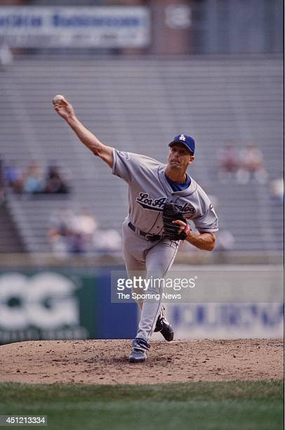 Kevin Brown of the Los Angeles Dodgers pitches against the Milwaukee Brewers at County Stadium on August 25 1999 in Milwaukee Wisconsin