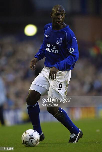 Kevin Campbell of Everton running with the ball at his feet during the FA Barclaycard Premiership match between Everton and Bolton Wanderers held on...