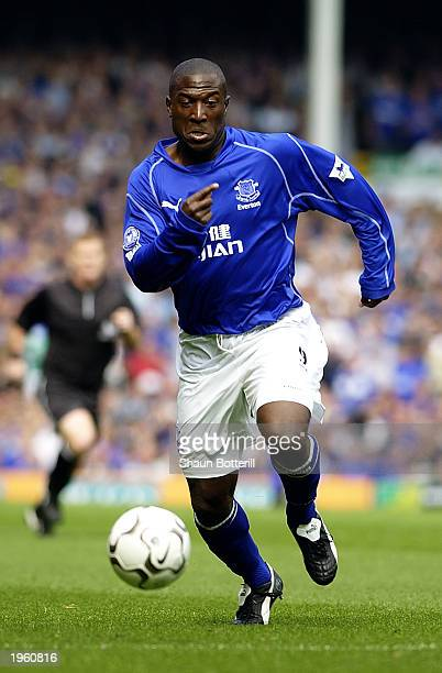 Kevin Campbell of Everton runs with the ball during the FA Barclaycard Premiership match between Everton and Liverpool held on April 19 2003 at...