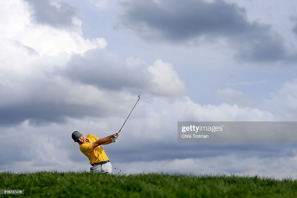 Kevin Chappell of the United States hits his tee shot on the 14th hole during the final round of the Arnold Palmer Invitational Presented by MasterCard at Bay Hill Club and Lodge on March 20, 2016 in Orlando, Florida.
