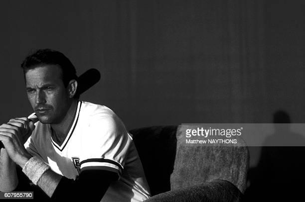 Kevin Costner dans le film 'Bull Durham' de Ron Shelton en octobre 1987 aux EtatsUnis