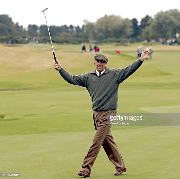 Kevin Costner makes a birdie on the eighteenth hole during the third round of the Dunhill Links Championship at the Carnoustie Golf Club. October 9,...