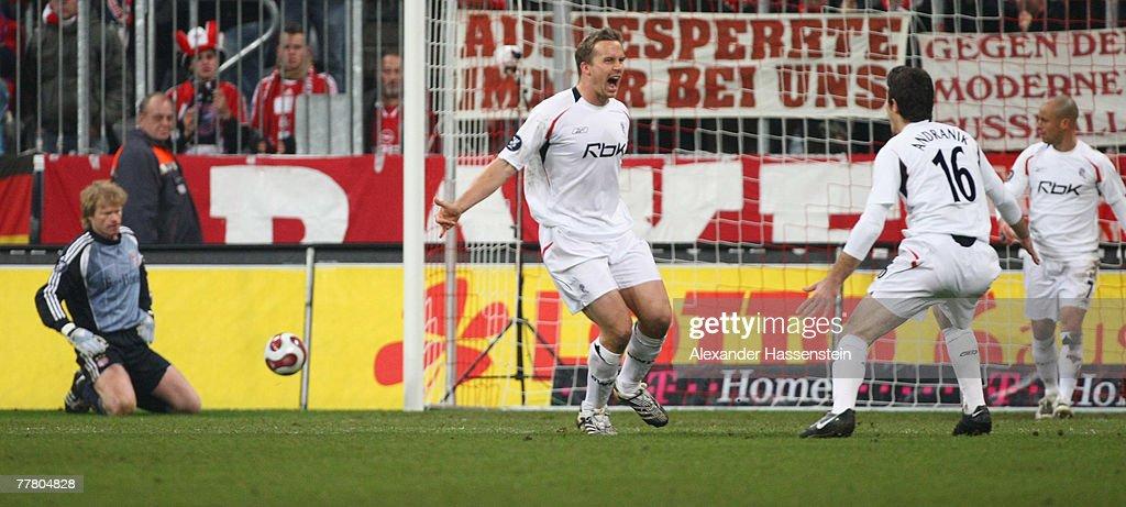 Bayern Munich v Bolton Wanderers - UEFA Cup : News Photo