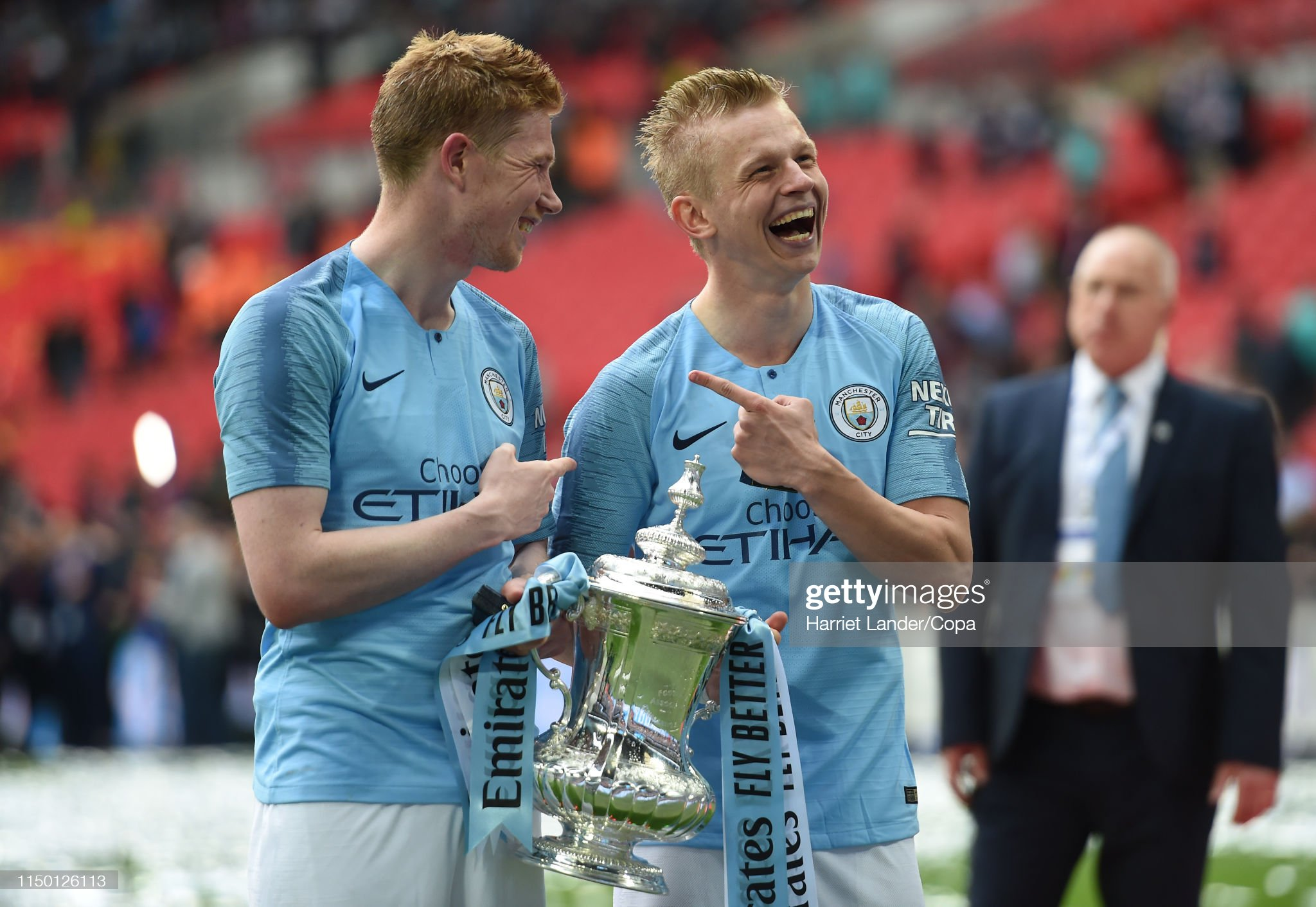 https://media.gettyimages.com/photos/kevin-de-bruyne-and-oleksandr-zinchenko-of-manchester-city-celebrate-picture-id1150126113?s=2048x2048