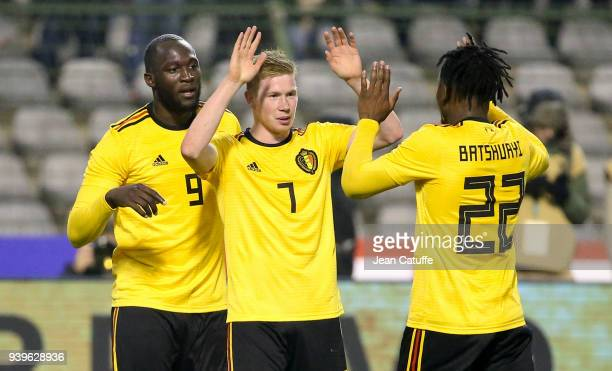 Kevin De Bruyne of Belgium celebrates his goal between Romelu Lukaku and Michy Batshuayi during the international friendly match between Belgium and...