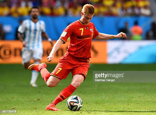 Kevin De Bruyne of Belgium controls the ball during the 2014 FIFA World Cup Brazil Quarter Final match between Argentina and Belgium at Estadio...