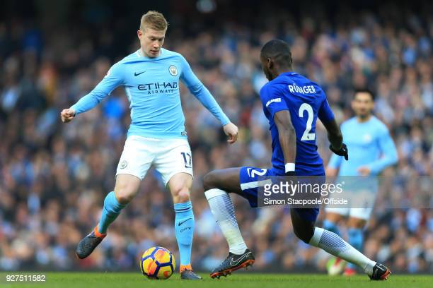 Kevin De Bruyne of Man City battles with Antonio Rudiger of Chelsea during the Premier League match between Manchester City and Chelsea at the Etihad...