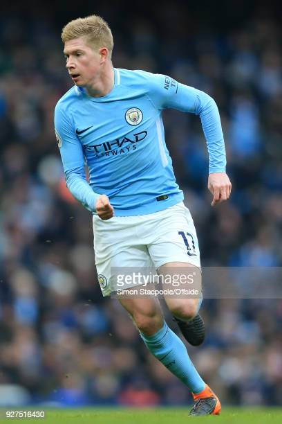 Kevin De Bruyne of Man City in action during the Premier League match between Manchester City and Chelsea at the Etihad Stadium on March 4 2018 in...