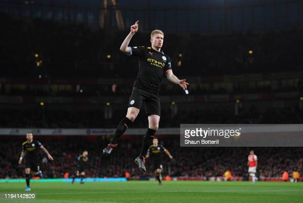 Kevin de Bruyne of Manchester City celebrates after scoring during the Premier League match between Arsenal FC and Manchester City at Emirates...
