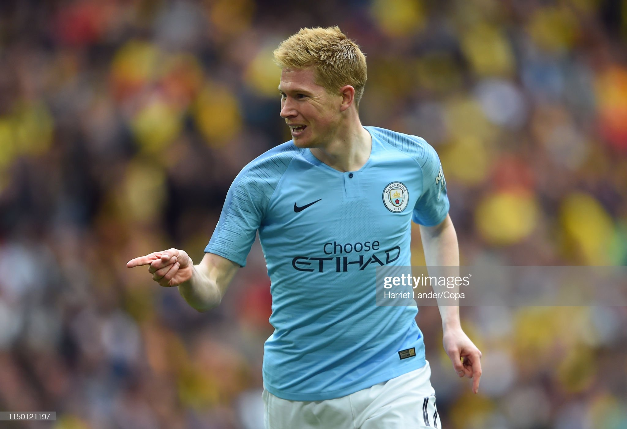 https://media.gettyimages.com/photos/kevin-de-bruyne-of-manchester-city-celebrates-after-scoring-his-teams-picture-id1150121197?s=2048x2048