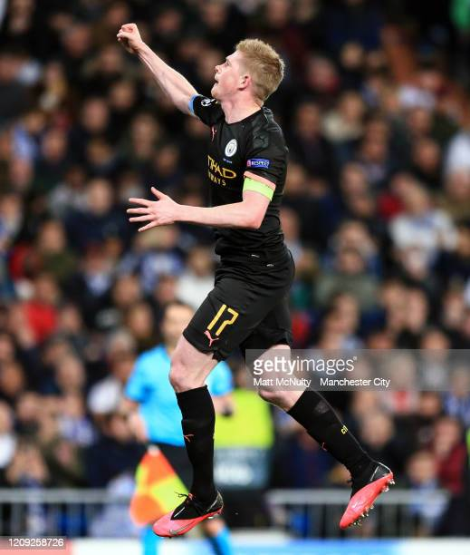 Kevin de Bruyne of Manchester City celebrates after scoring his teams second goal during the UEFA Champions League round of 16 first leg match...