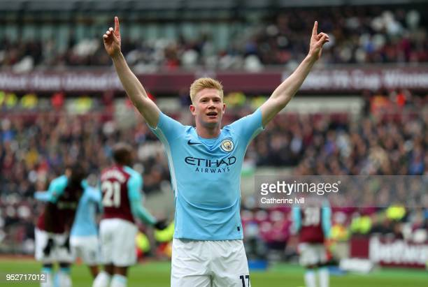 Kevin De Bruyne of Manchester City celebrates during the Premier League match between West Ham United and Manchester City at London Stadium on April...
