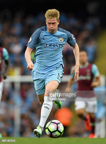 Kevin De Bruyne of Manchester City during the Premier League match between Manchester City and West Ham at Etihad Stadium on August 28 2016 in...