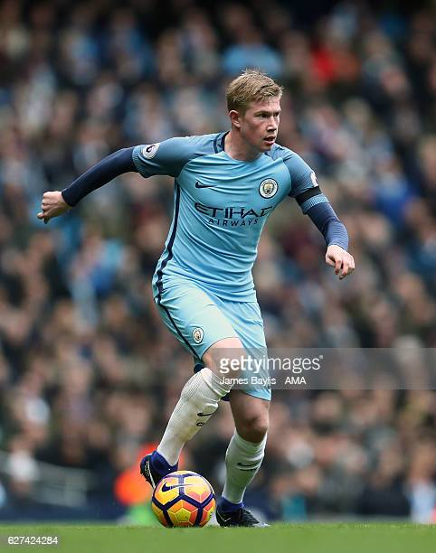 Kevin De Bruyne of Manchester City during the Premier League match between Manchester City and Chelsea at Etihad Stadium on December 3 2016 in...