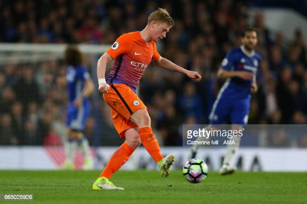 Kevin De Bruyne of Manchester City during the Premier League match between Chelsea and Manchester City at Stamford Bridge on April 5 2017 in London...