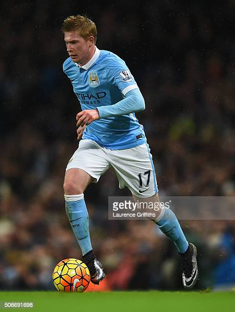 Kevin De Bruyne of Manchester City in action during the Barclays Premier League match between Manchester City and Everton at Etihad Stadium on...