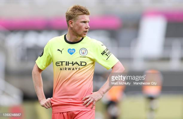 Kevin de Bruyne of Manchester City in action during the FA Cup Quarter Final match between Newcastle United and Manchester City at St James Park on...
