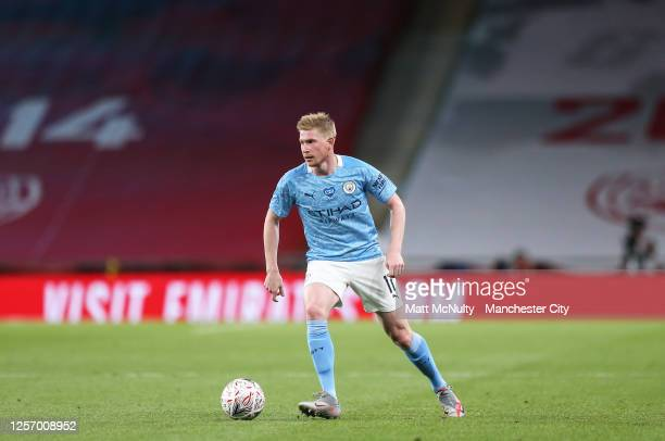 Kevin de Bruyne of Manchester City in action during the FA Cup Semi Final match between Arsenal and Manchester City at Wembley Stadium on July 18...