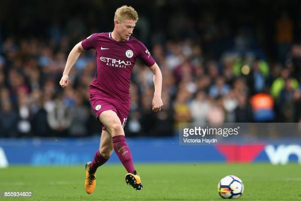 Kevin De Bruyne of Manchester City in action during the Premier League match between Chelsea and Manchester City at Stamford Bridge on September 30...