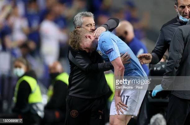 Kevin De Bruyne of Manchester City looks dejected as he is forced off due to injury during the UEFA Champions League Final between Manchester City...
