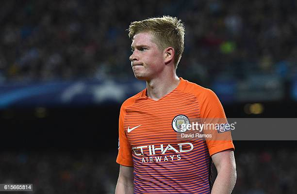 Kevin De Bruyne of Manchester City looks dejected during the UEFA Champions League group C match between FC Barcelona and Manchester City FC at Camp...
