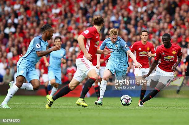 Kevin De Bruyne of Manchester City moves forward during the Premier League match between Manchester United and Manchester City at Old Trafford on...