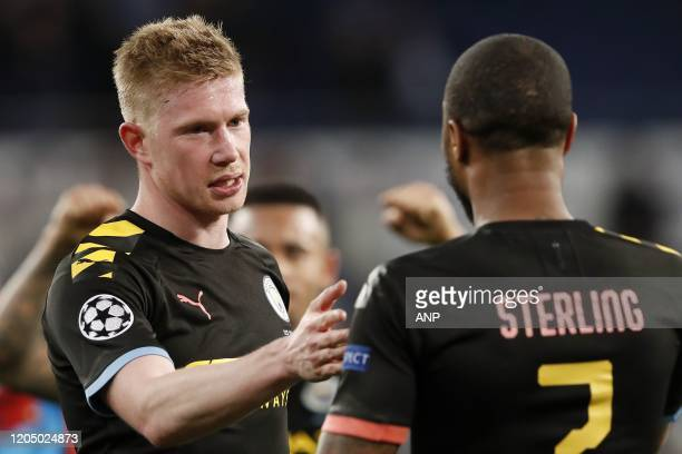Kevin De Bruyne of Manchester City Raheem Sterling of Manchester City during the UEFA Champions League round of 16 first leg match between Real...