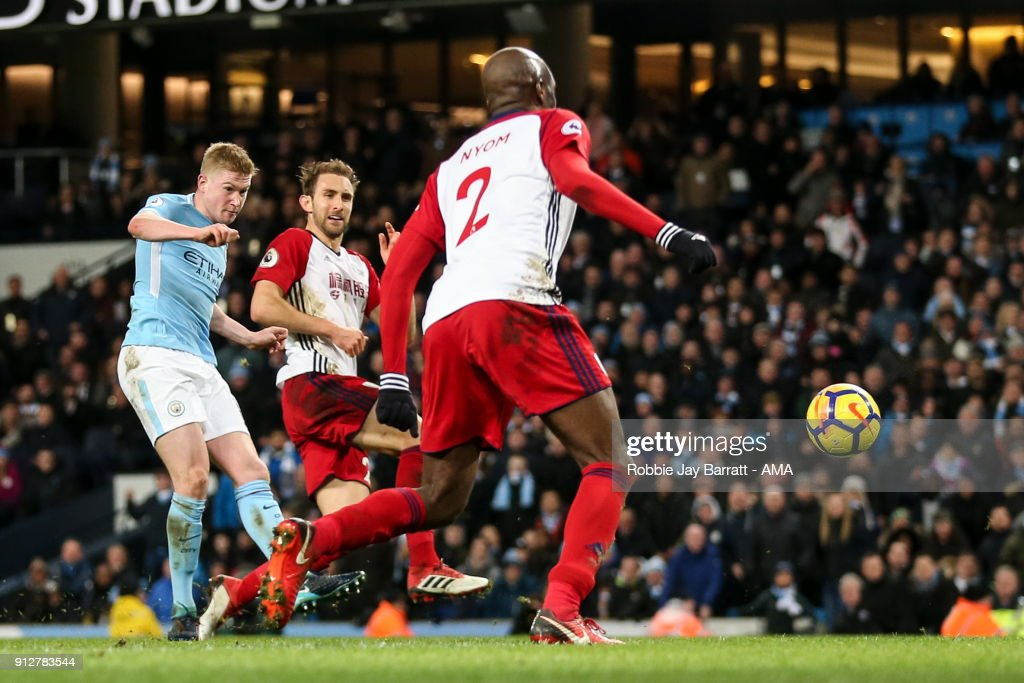 Kevin De Bruyne of Manchester City scores a goal to make it 2-0 during the Premier League match between Manchester City and West Bromwich Albion at Etihad Stadium on January 31, 2018 in Manchester, England.