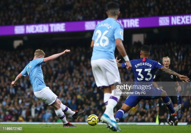 Kevin De Bruyne of Manchester City scores his team's first goal during the Premier League match between Manchester City and Chelsea FC at Etihad...